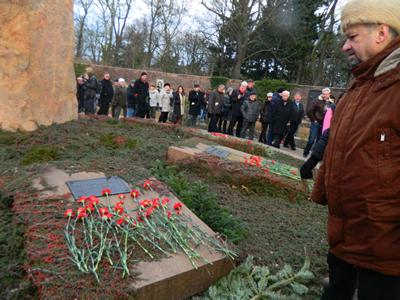 Moment de reculegere  la mormântul lui Walter Ulbricht