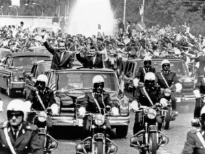 pres-richard-nixon-and-pres-nicolae-ceausescu-and-crowd-during-motorcade-in-bucharest-aug-2-1969[1]